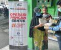 Operasi Pangan Gratis Bank Indonesia Jatim dan ACT Bantu Warga Prasejahtera Terdampak Corona