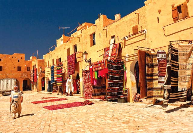 Menjelajah Keunikan Sahara Aljazair