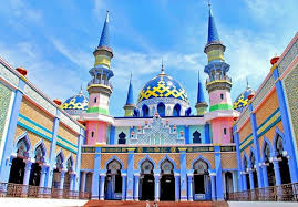 Keindahan Masjid Bagai Istana Negeri Dongeng