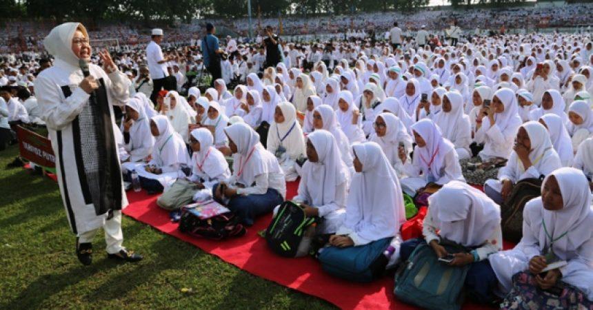 Wali Kota Risma Wisuda 3 Ribu Hafidz Quran